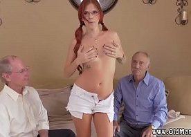 Furacão porno de coroas vendo novinha em strip e sexo