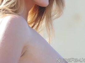 Porno xv safada transando nas rochas da praia